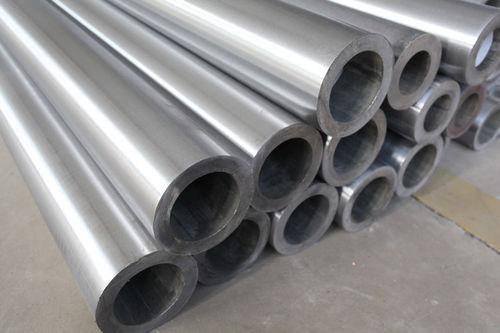 Noticias sobre China 8 tubos del cilindro hidráulico de los envases enviados a los E.E.U.U.